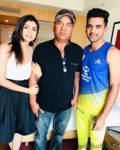 Deepak-chahar-with-his-sister-malti-and-father