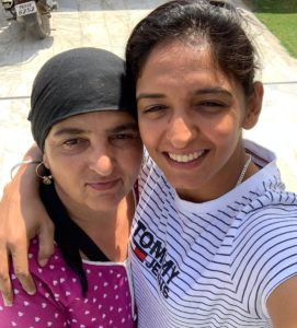 harmanpreet-kaur-mother-family