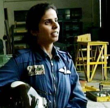 Gunjan-Saxena-Biography-Age-Kargil-Story-Family-Husband-wiki