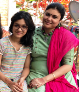 pankaj-tripathi-wife-and-daughter