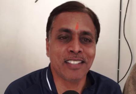 priyam-garg-father-family