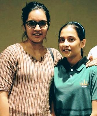 divya-deshmukh-family-sister
