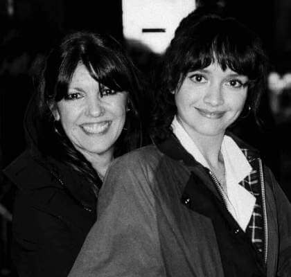 olivia-cooke-family-parents