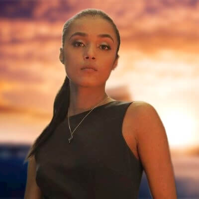 jasmine-jobson-biography-height-age-family-husband-facts
